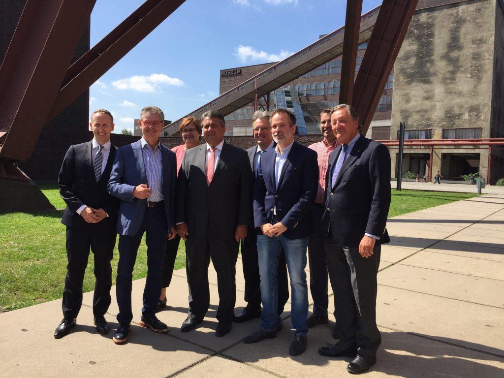 Gestern hat Bundeswirtschaftsminister Sigmar Gabriel das Haniel-Digitalunternehmen Schacht One auf Zeche Zollverein besucht