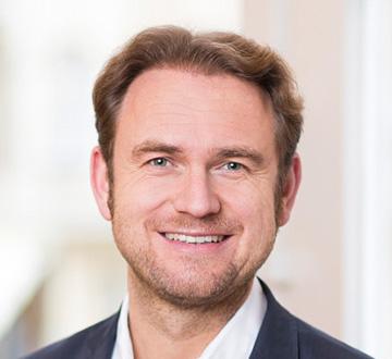 Prof. Dr. Julian M. Kawohl